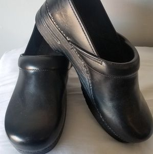 Dansko Clogs-Black leather WIDE like NEW